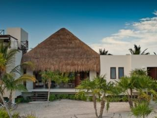 Tremendous 4 Bedroom House with Private Jacuzzi in Quintana Roo, Punta Allen