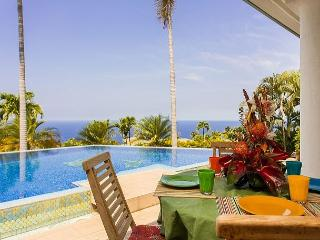 3 Bedroom, bonus room and 3 Bathroom with Amazing Ocean Views-PHKEST3, Keauhou