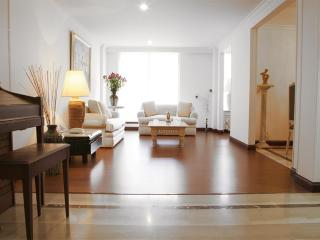 Classic 3 Bedroom Apartment in Santa Barbara, Bogota