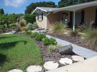 Pet Friendly Pool Home Close to Beaches & Town fro, Sarasota