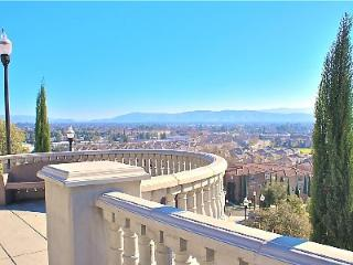 Hilltop Views, Luxury Master Suite, W/D, Kitchen,, San Jose