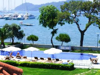Seafront Luxury Attic Duplex in Gocek Town center