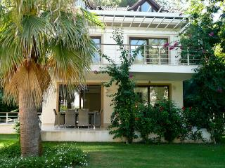 2 Bedrooms Luxury Garden Duplex, car isnt needed, Gocek