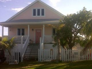 Cute, Quaint & Safe - Take 'ya' Time Cottage, Eleuthera