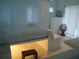 Ocean front bedroom, Huatulco