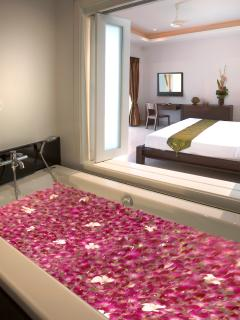 Romantic Double bath in main Ensuite Bathroom