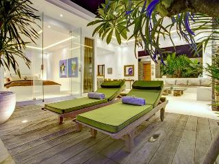 Tropical Elegant Private Villa seminyak