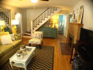 aqua Claddagh Cottage 8/18-22 $285/night HOT TUB, Union Pier