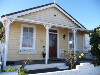 Strupak Cottage - spoil yourself in Nelson, NZ, holiday rental in Nelson-Tasman Region