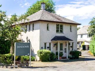 SANDOWN, detached pet-friendly house near lake and amenities in Bowness Ref 904555, Bowness-on-Windermere