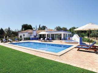 3 bedroom Villa in Aroal, Faro, Portugal : ref 5585392