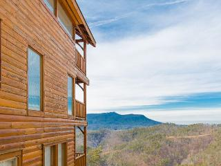 LAST MINUTE JANUARY SPECIAL - From $179! Theater Room, Hot Tub, & Views!, Sevierville
