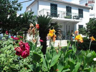 House Marina, Igalo