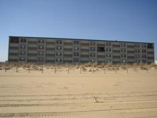 Ocean Trails 2 Bedroom 2 Bath direct ocean front condo, Ocean City