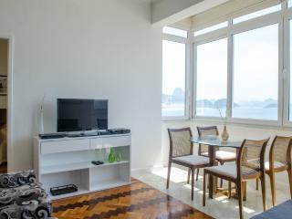 W101 - 3 Bedroom with Ocean View in Copacabana, Rio de Janeiro