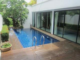 Three Bedroom Family Pool Villa in Rawai, Phuket - raw18