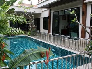 Lovely 2 Bedroom Pool Villa in Rawai, Phuket - raw17