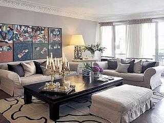 Rue Fabour St.- Honore apartment with large windows- light and airy feel. YNF FAU