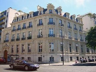 Luxurious Apartment Near Champs Elysees