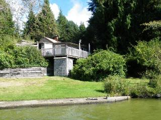 Dog-friendly lakefront cabin w/ dock, private beach, Florence
