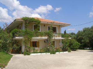 'Polymnia Apartments'  only 200m near the Beach, Cefalonia