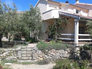 Villa Matiz on Krk with great garden and SEA VIEW!