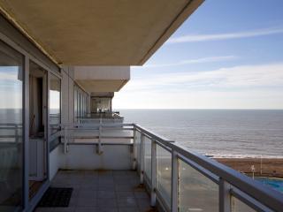 Stay in the heart of Brighton BellaVista Apartment