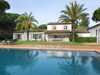 Aesthetic Villa, St-Tropez, 6 bedrooms, 12 people