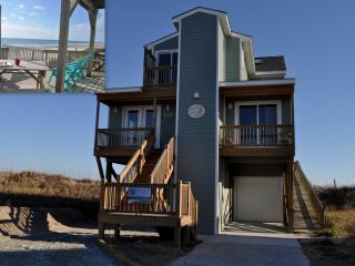 REDUCED RATES !! - RIGHT ON THE BEACH !! Larry's Lazy Susan-Elevator 5BR Pets, North Topsail Beach