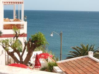 Condomínio de luxo 1-BR na Praia da Luz, ótima localização!