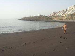 protected beach, 2 minutes walking (Playa La Nea)