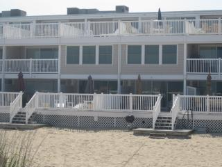 Ocean Colony 4 bed direct ocean front townhouse, Ocean City