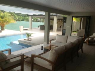 Luxury Living on the Lagoon, Port Vila