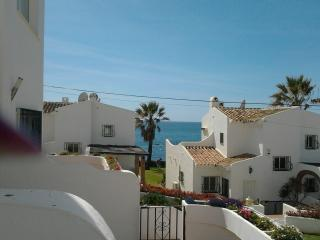 Lovely 2 Bedroom Townhouse Beach Side Rocas Del Ma, La Cala de Mijas