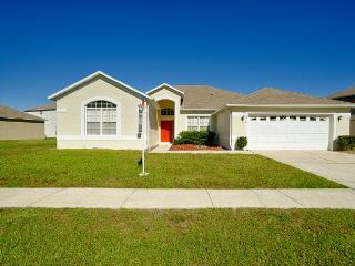 IRIS VALLEY with POOL/JACUZZI near DISNEY, Kissimmee