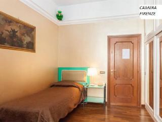 Florence Room in the garden of the heart of Rome., Roma