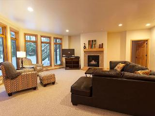 The Copperwood Condominiums 2+ Bedroom Private Vacation Rental Condominium
