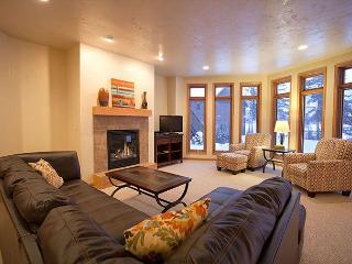 The Copperwood Condominiums 2+ Bedroom Private Vacation Rental Condominium, Eagle River