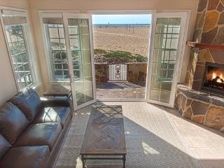408 A East Oceanfront- Lower 4 Bedroom 3.5 Baths, Newport Beach