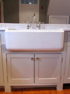 Farmhouse Kitchen Sink & Faucet