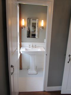 Entrance to Master Bath w/Pedestal Sink