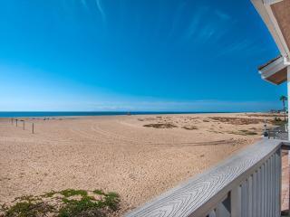 408 B East Oceanfront- Upper 3 Bedroom 2.5 Baths, Newport Beach