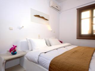 Cycladic Style Studio, Milos