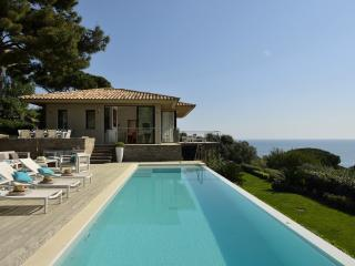 Exquisite Villa in St-Tropez, 5 bedrooms, 10 p