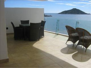 Gorgeous BEACHFRONT 2 BR condo, exclusive building, Mazatlan