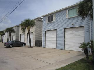 Divided Condo 4br4ba for large family/group LP4B4A, Port Aransas