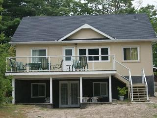 4 Bedroom Vacation Home in Wasaga Beach
