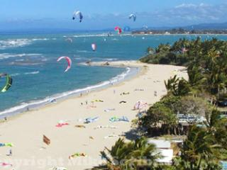 Perfect Kiting condo ONLY 30 steps to beach