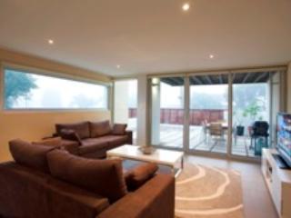 Alouarn Apartment 2 - Can be a 2 bedroom 2 bathroom as well, Augusta