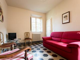 """Paolina Bonaparte"" elegant apartment with terrace, Lucca"